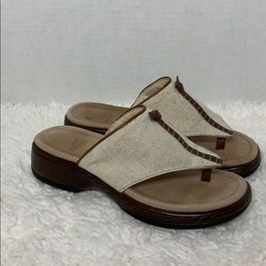 Dansko canvas and leather thong sandals size 37 7